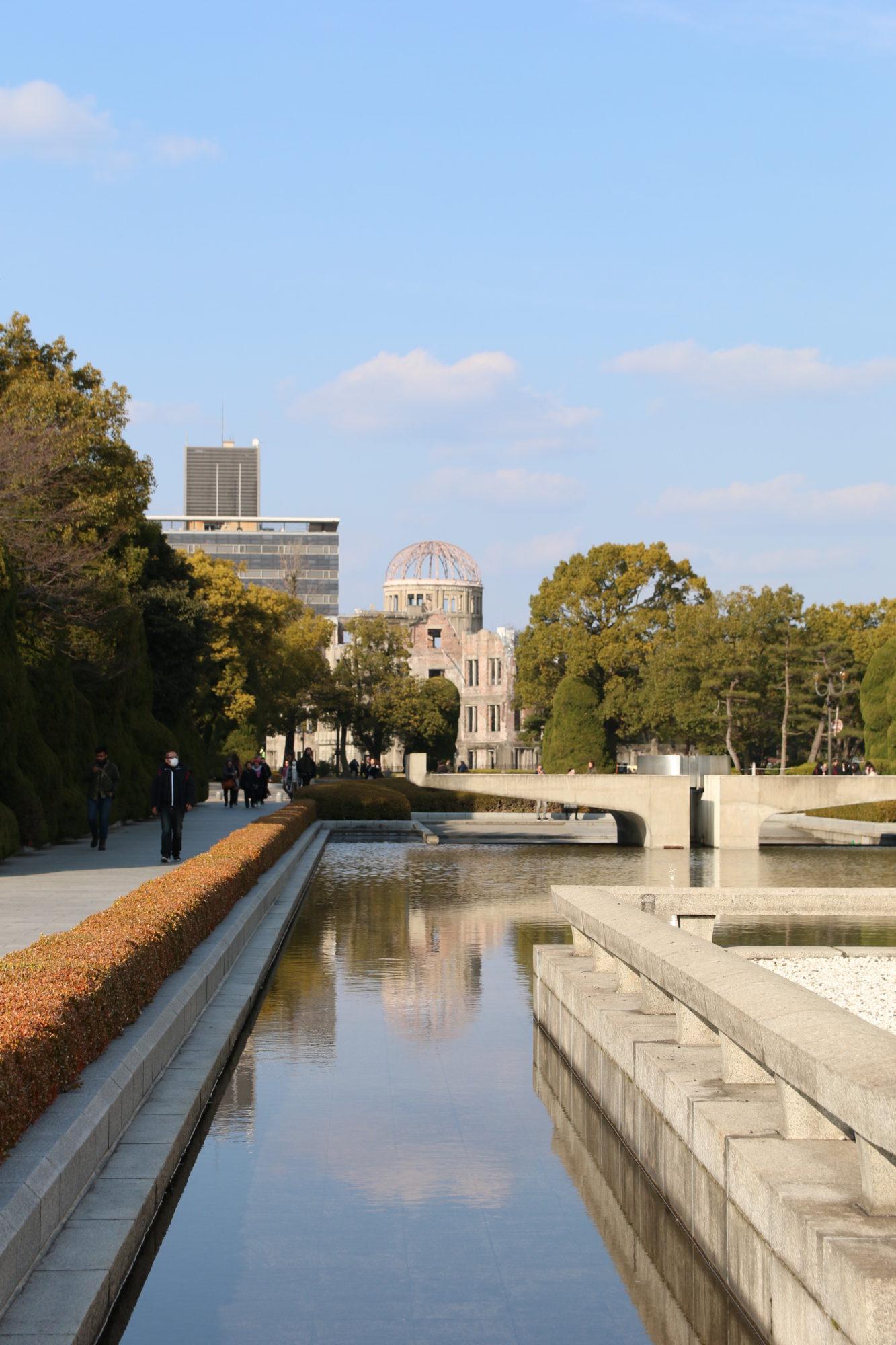 広島 原爆ドーム、平和公園、おりづるタワーを歩く